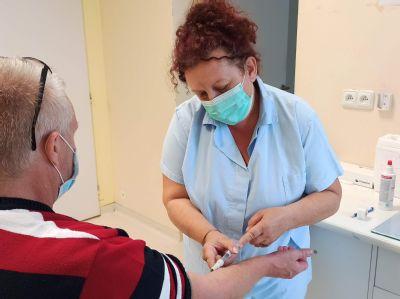 Zamestnanci nemocníc siete AGEL podporili finančne kolegyňu zo Skalice, ktorej hurikán vzal domov. Dobrovoľná finančná zbierka pre Janku Havlíkovú